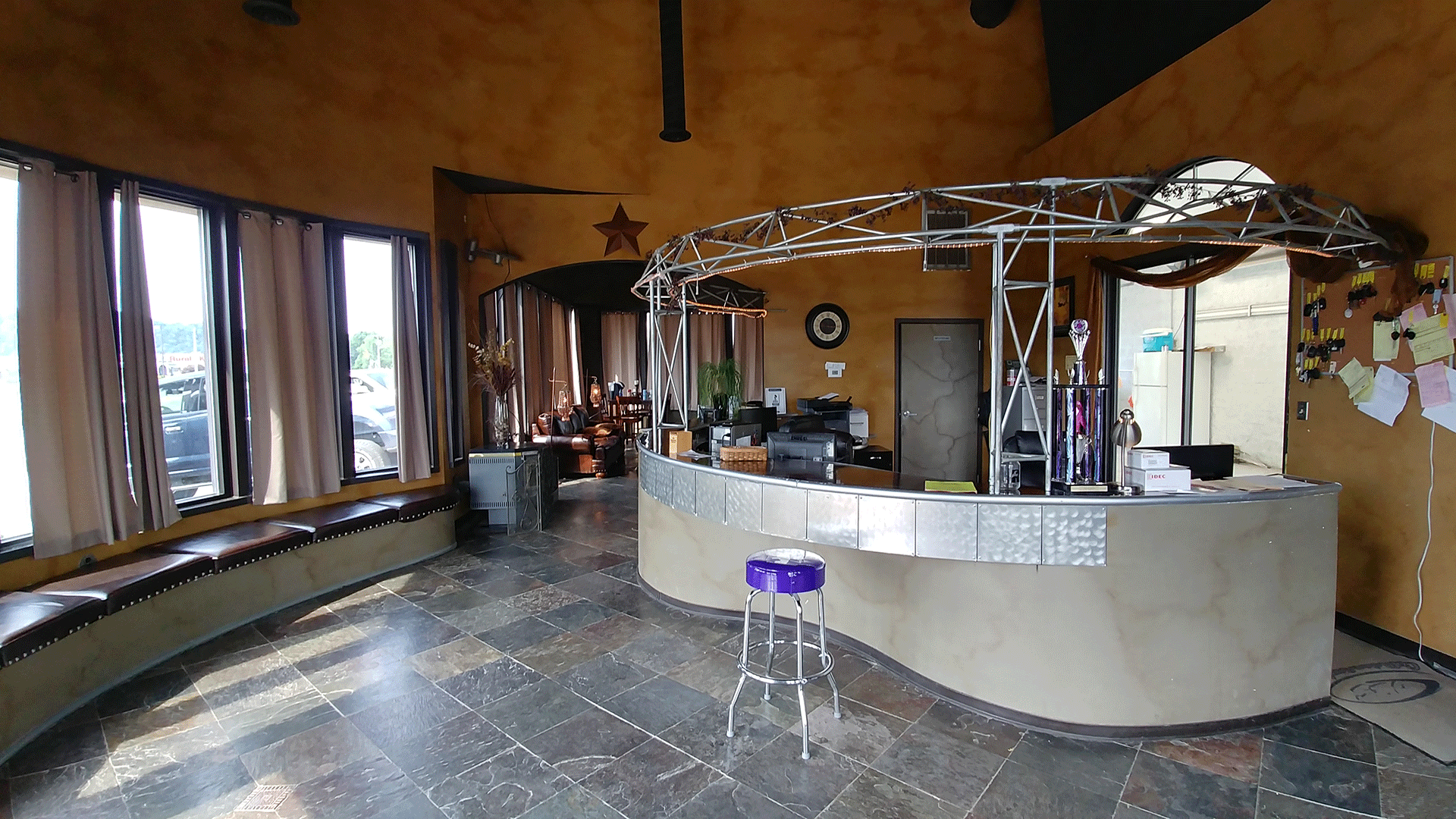 lobby1-small